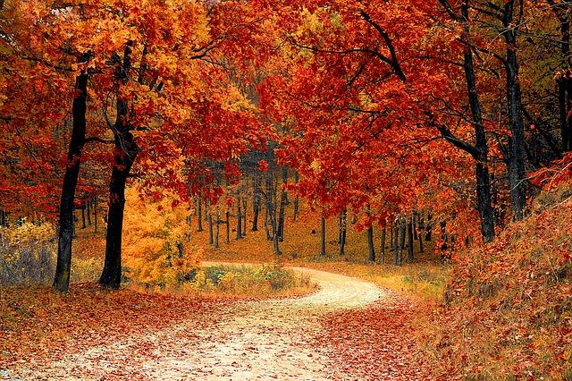 October - október
